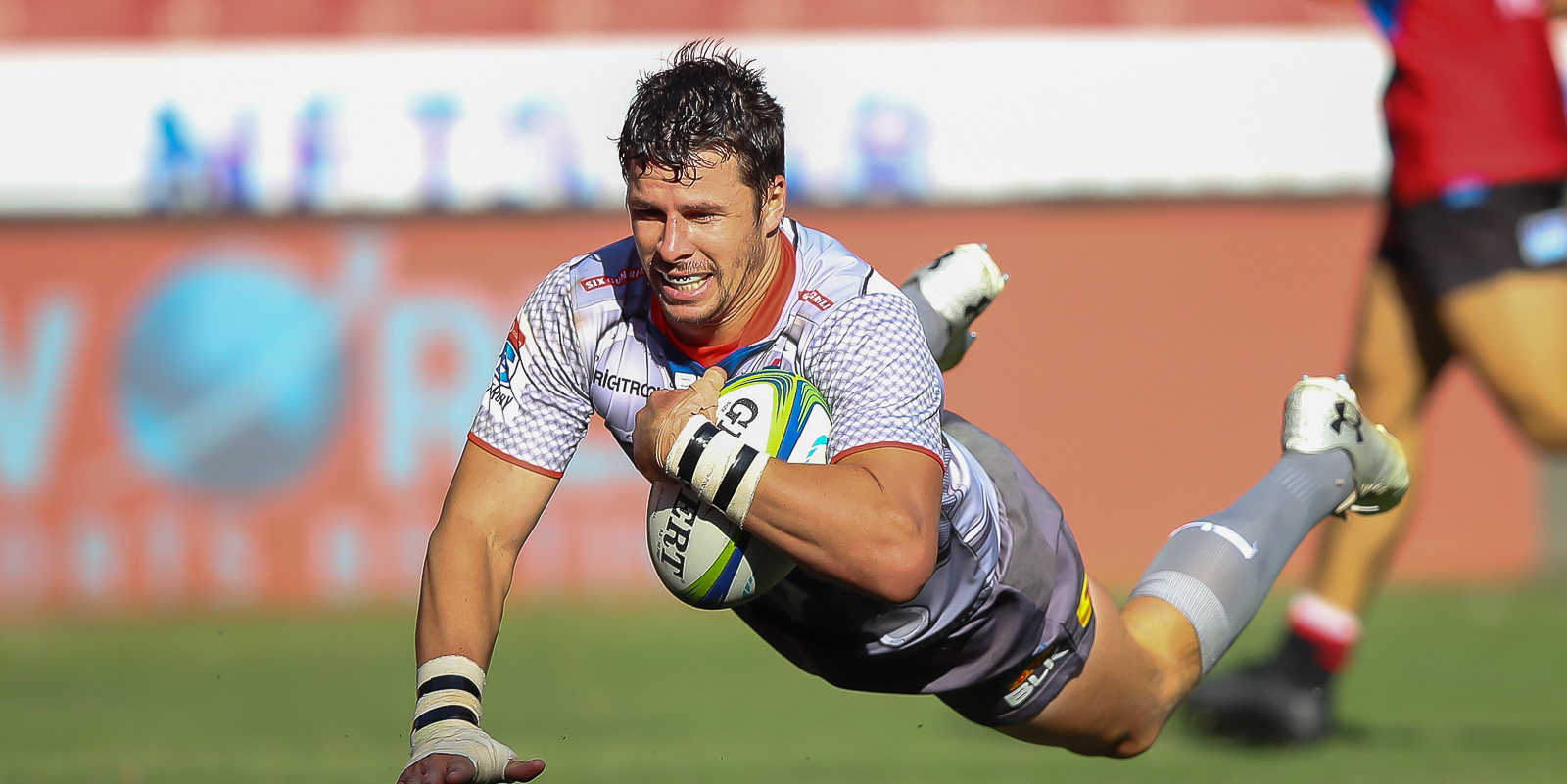 Ruhan Nel goes over a try for the DHL Stormers.